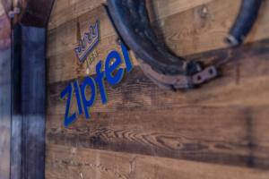 Zipfer Branding